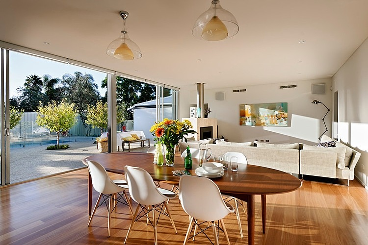 Open Floor Plan House Interior Design Located in Sunny Australia ...