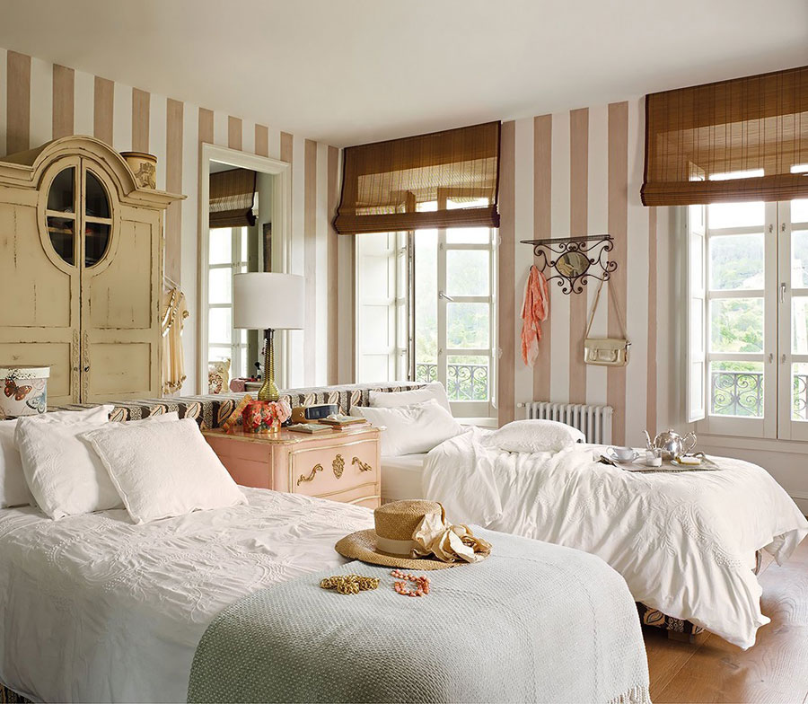bedroom-in-classic-style-4BH