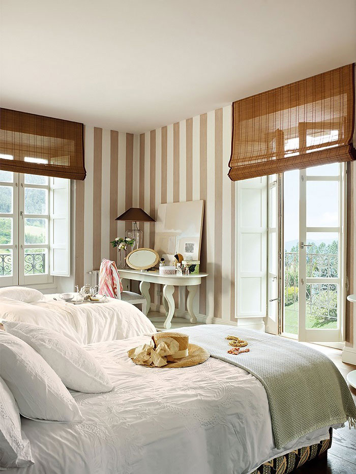 Feminine Bedroom Decorated In Classic Style 4betterhome