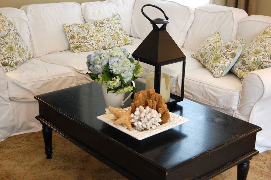 decorating_black_coffee_table_ideas