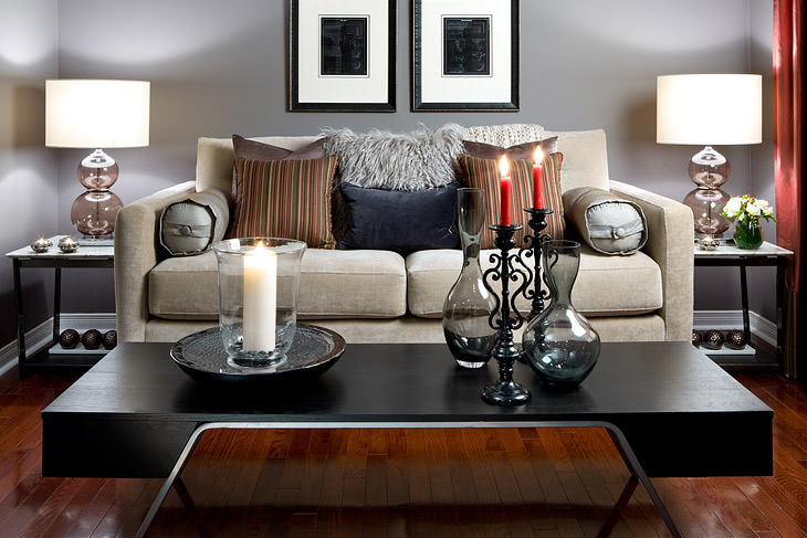 gray_red_living_room