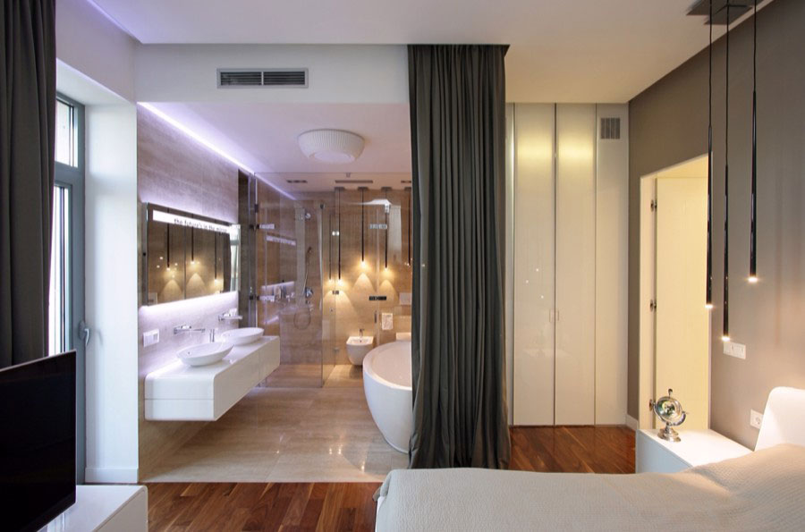 open_floor_plan_bathroom