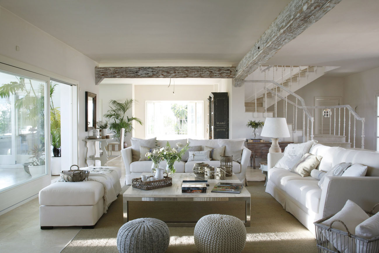 Classic style interior design in white and beige 4betterhome White house interior design