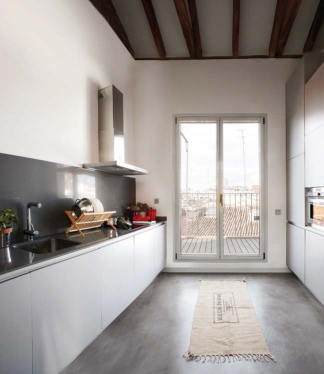 moder apartment kitchen in white