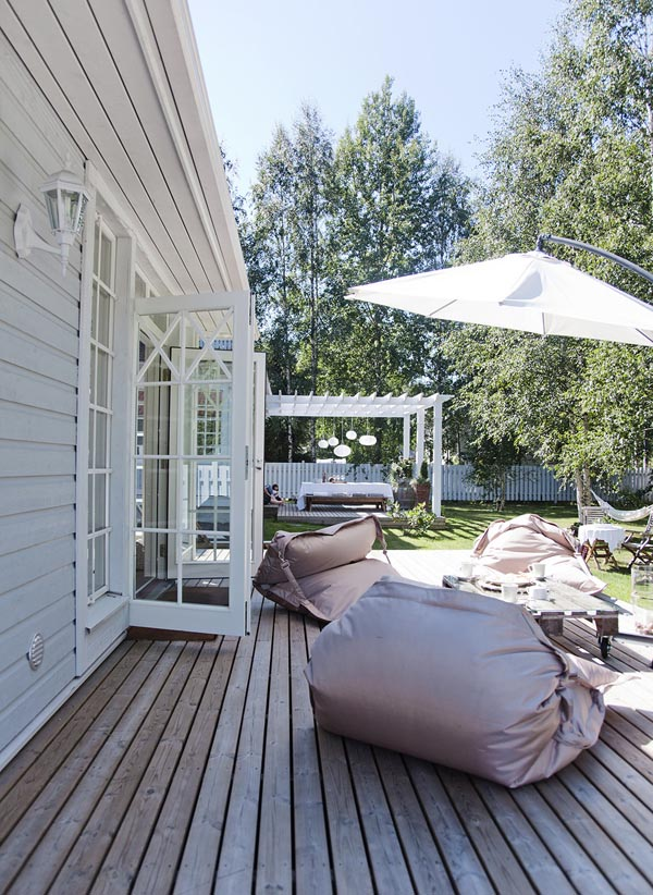 outdoor house living space