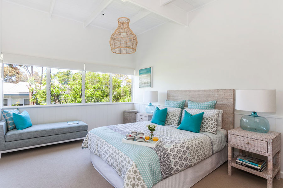 Stunning beach house in sydney australia 4betterhome Beach house master bedroom ideas