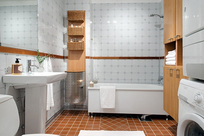 how-to-make-a-cozy-and-functional-bathroom-design-700x467.jpg