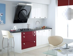 small kitchen design with bordo color accents