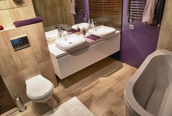 wood imitation bathroom