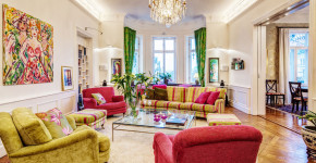 colorful-scandinavian-interior-with-classic-and-modern-touch-14-880x580