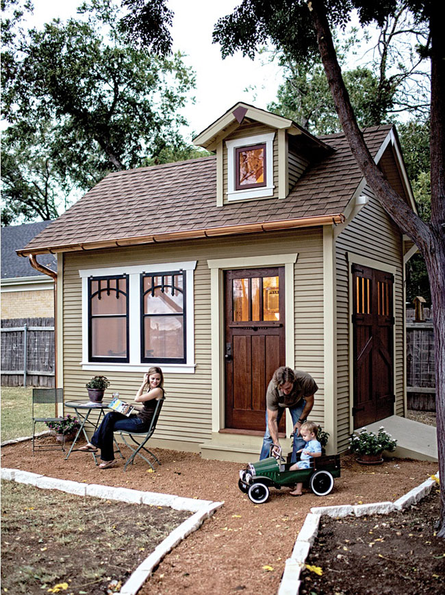 lovely rustic garden mini house design in Austin TX