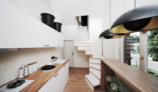 small-functional-apartment-design-with-eye-catching-details-featured-img