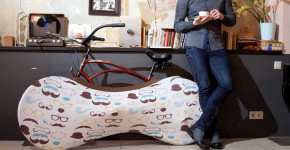 velosock-the-functional-interior-decor-designed-for-bikes-900x600