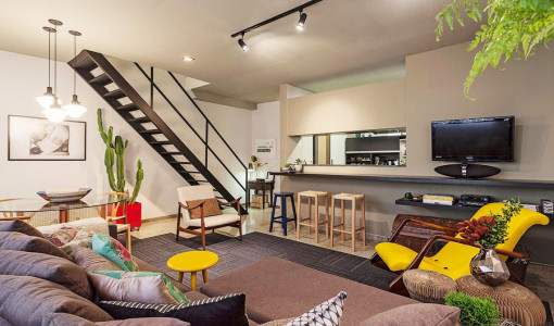 small-loft-apartment-with-bold-yellow-accents-in-savassi-brazil-10-900x587-9