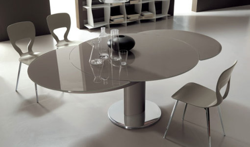 extendable dining table