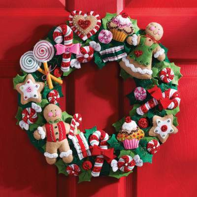 Charming Gingerbread & Candy Wreath in Classic Color Shades