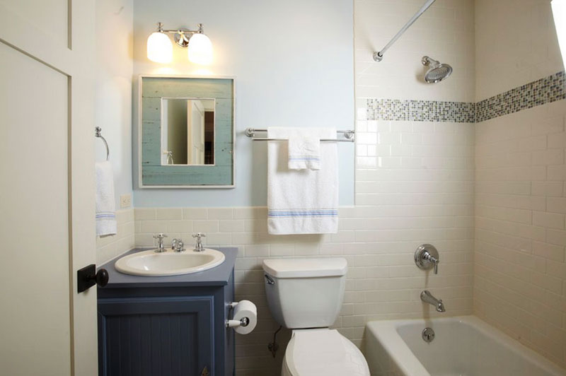 ... To Arrange Small Classic Bathroom Designs, Itu0027s Hard To Pick Just One,  So We Made This Inspiring Collection. Here Are 30 Ideas Of Our Favorite  Pictures.