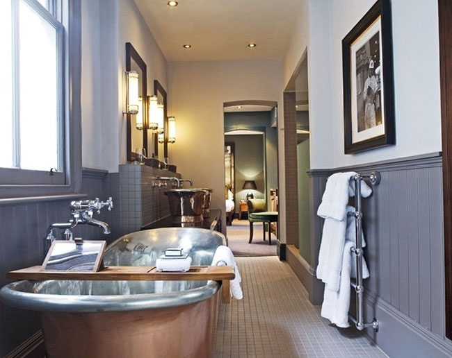 30 Elegant and Small Classic Bathroom Design Ideas