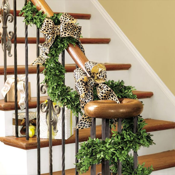 40 brilliant christmas stairs decorations for year